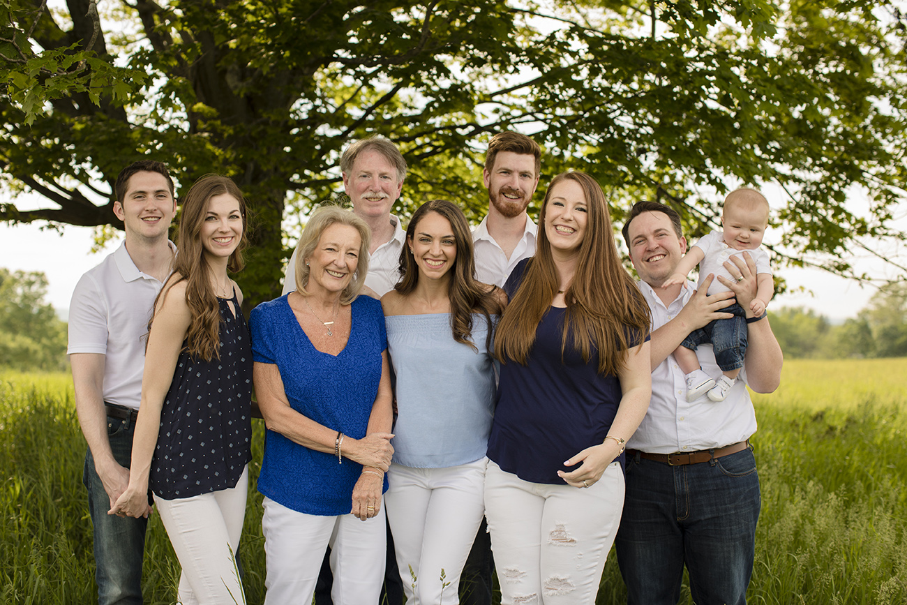 big family portrait photographer